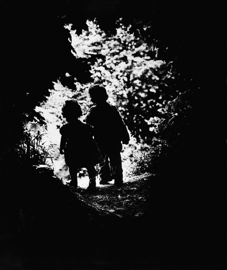 The walk to Paradise Garden, 1946. (Photo by W. Eugene Smith/The LIFE Picture Collection © Meredith Corporation)