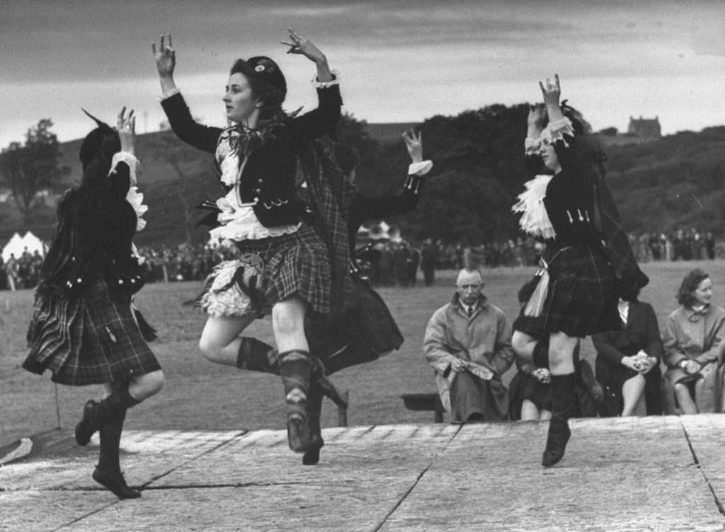 Competitors dance the Reel of Tulloch, 1946.