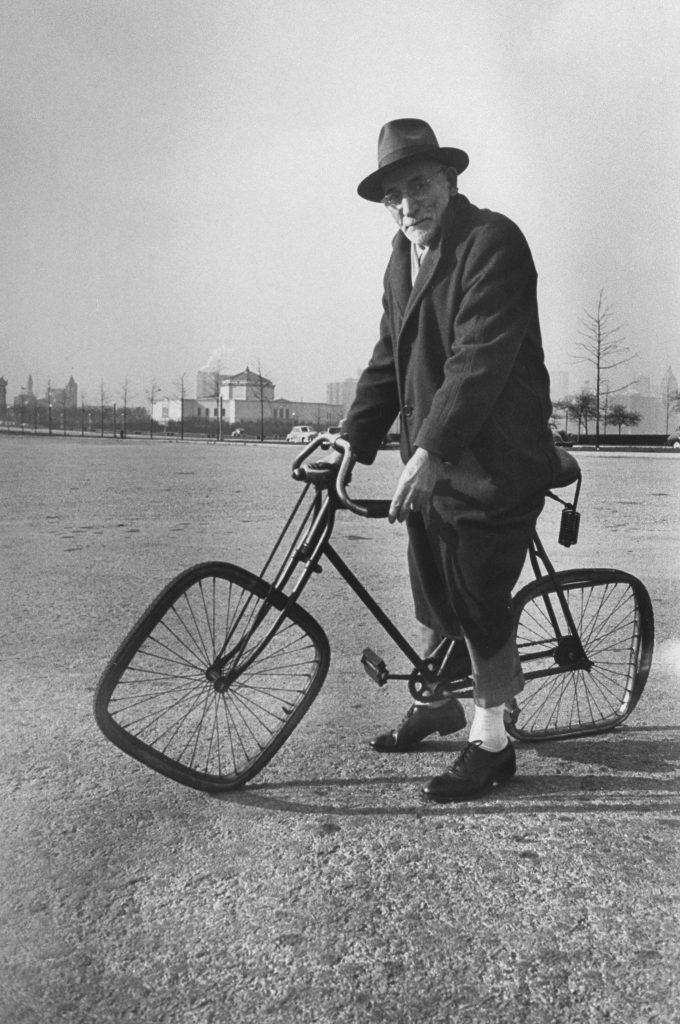 Square-wheeled bike, 1948