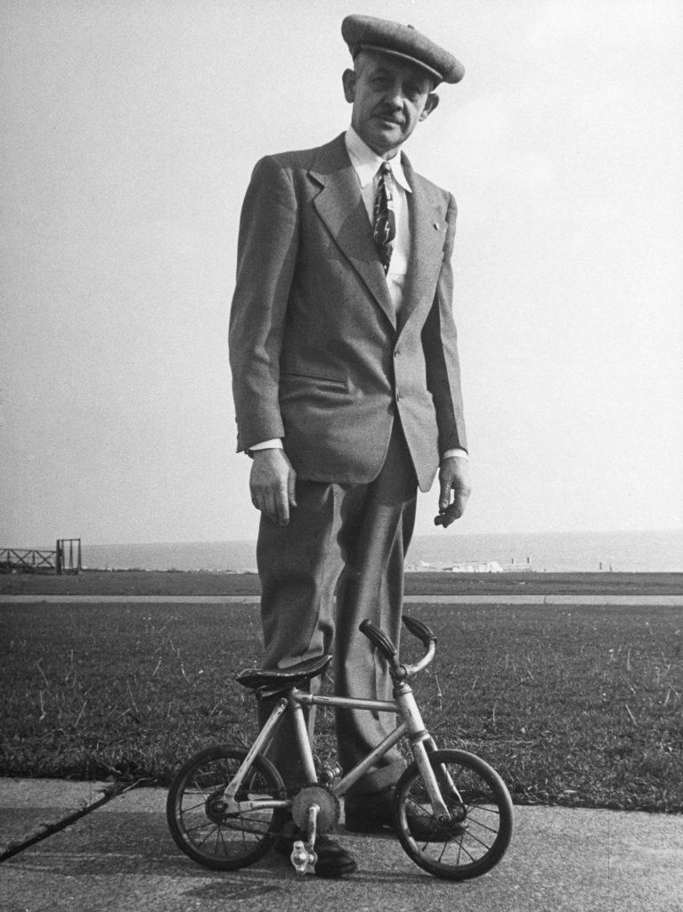 Ice bike ridden by its inventor, Joe Steinlauf, Chicago.