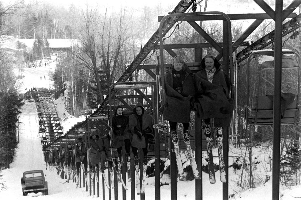 Skiers at Mount Snow in Vermont, 1957.