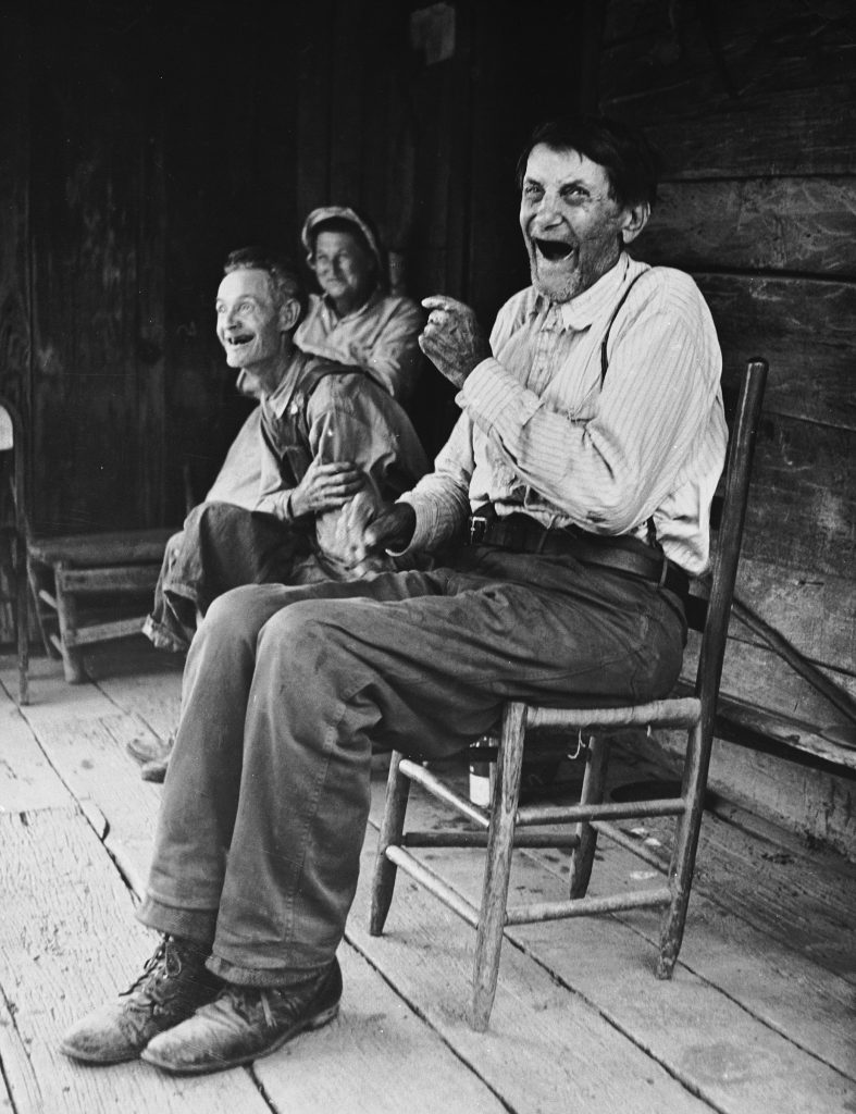 Former Confederate soldier John Salling, estimated to be 106 years old, with some friends in Scott County, 1953.